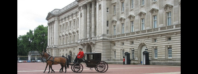 Visit Buckingham Palace with TicketTree
